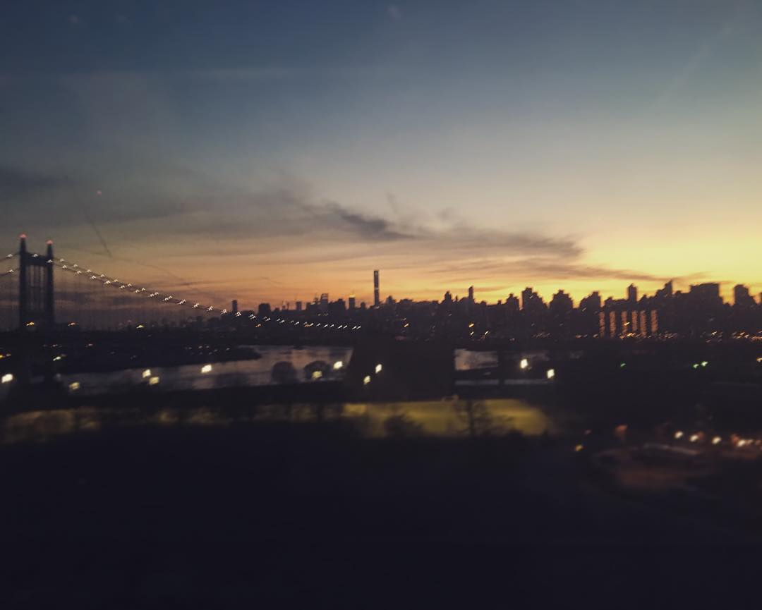 Looking back on #manhattan #prettyprettynewyorkcity from #Amtrak heading to #boston