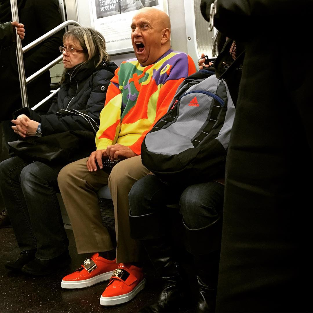My #NYC #subway #spycam at work yesterday. #thisman of many faces #notecasting #riotofcolors #ftrain #mta #brooklyntomanhattan #prettyprettynewyorkcity #getthelook