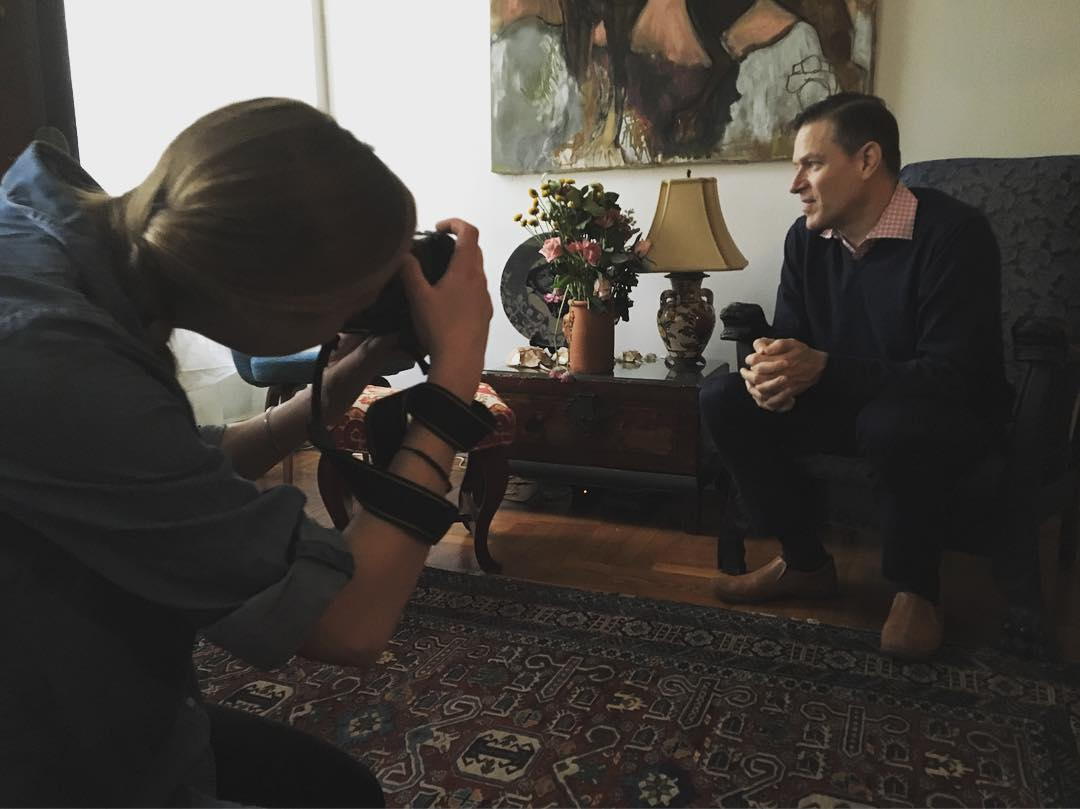 Here's @hlswift shooting @eddiemgbol for @nytimes article about #thebattleforroom314 in this weekend's Metropolitan section. #photographer #photojournalist at work. #memoir